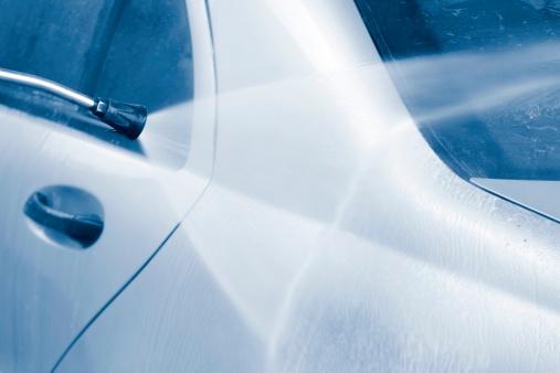 Effort「Car prewash with high pressure cleaner」:スマホ壁紙(16)