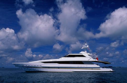 船・ヨット「豪華なモーターヨット」:スマホ壁紙(13)