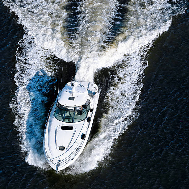 luxury motorboat:スマホ壁紙(壁紙.com)