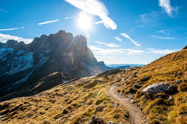 Italy, South Tyrol, Villnoess Valley, Geisler Group:スマホ壁紙(壁紙.com)