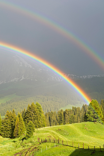 Double Rainbow「Italy, South Tyrol, Seiser Alm, Double Rainbow in front of Langkofel」:スマホ壁紙(17)