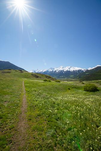 Ötztal Alps「Italy, South Tyrol, Mals, Tartscher Buehel, Hiking path」:スマホ壁紙(18)
