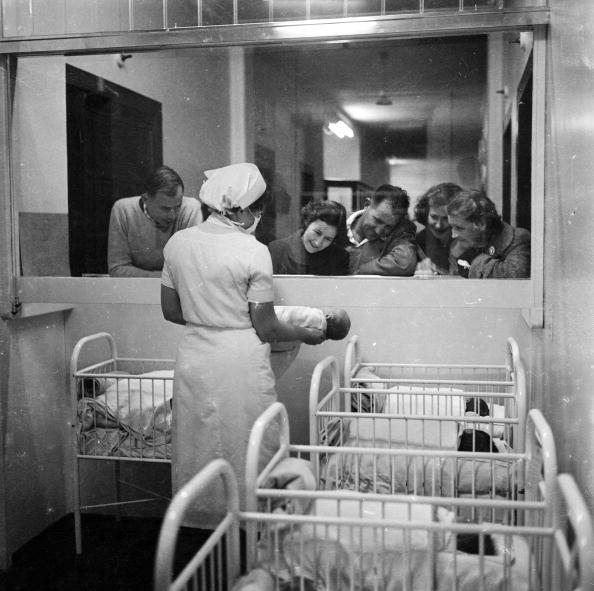 Hospital Ward「New Arrival」:写真・画像(4)[壁紙.com]