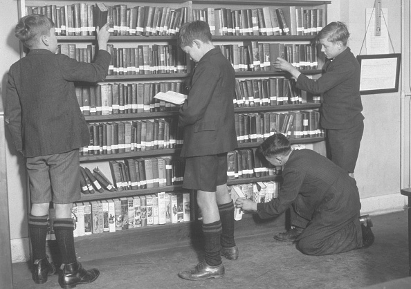 Large Group Of Objects「Schoolboys Library」:写真・画像(8)[壁紙.com]