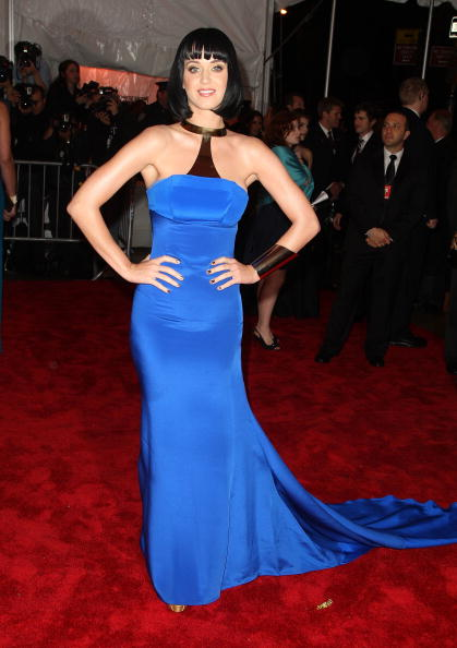 """Bronze Colored「""""The Model As Muse: Embodying Fashion"""" Costume Institute Gala - Arrivals」:写真・画像(19)[壁紙.com]"""