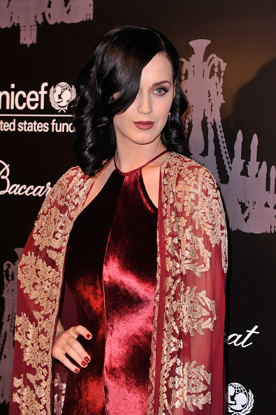 雪の結晶「The Ninth Annual UNICEF Snowflake Ball - Arrivals」:写真・画像(17)[壁紙.com]