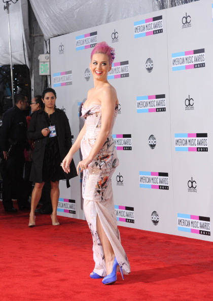 Chinese Culture「2011 American Music Awards - Arrivals」:写真・画像(7)[壁紙.com]