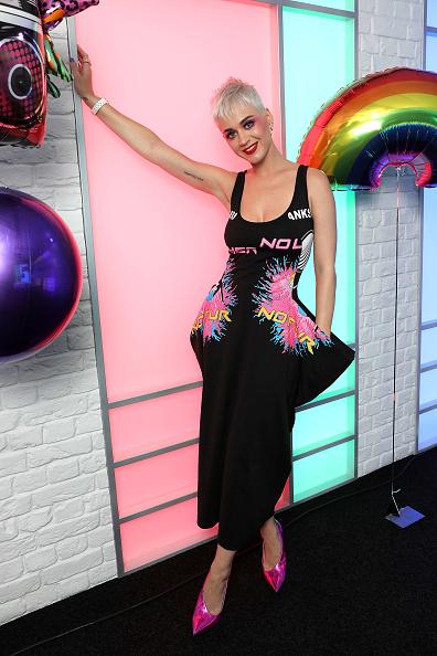 Worthy Farm「Katy Perry Visits Kiss FM」:写真・画像(12)[壁紙.com]