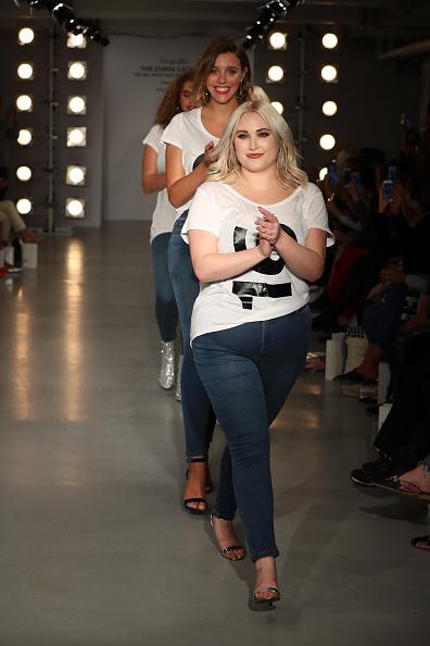 ロンドンファッションウィーク「SimplyBe 'Curve Catwalk' During London Fashion」:写真・画像(10)[壁紙.com]
