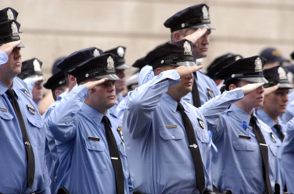 Philadelphia - Pennsylvania「Soldier Killed In Iraq Laid To Rest In Philadelphia」:写真・画像(12)[壁紙.com]