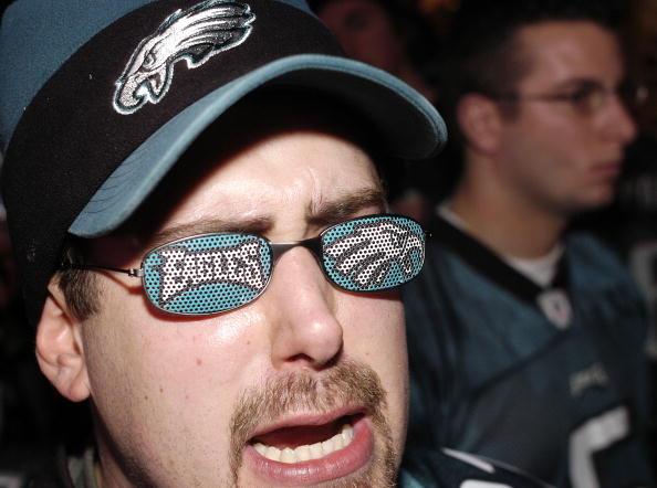 Philadelphia Eagles「Hopeful Eagles Fans Watch Super Bowl XXXIX」:写真・画像(1)[壁紙.com]