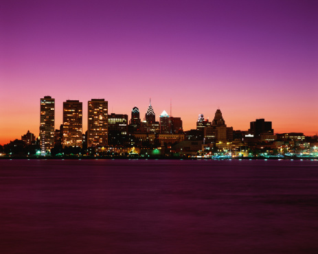 Pennsylvania「Philadelphia cityscape at twilight」:スマホ壁紙(9)