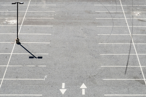 Parking Lot「USA, Philadelphia, Empty parking lot, seen from above」:スマホ壁紙(8)