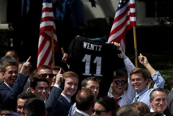 "Philadelphia Eagles「President Trump Holds ""Celebration Of America"" Event On South Lawn Of White House」:写真・画像(6)[壁紙.com]"