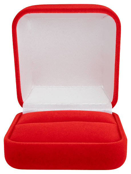 Isolated Jewelry Box on white background, clipping path:スマホ壁紙(壁紙.com)
