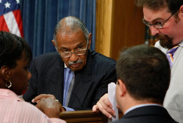 Hurricane Ike「Reps Conyers And Meeks Hold News Conference On Haiti Hurricane Relief」:写真・画像(4)[壁紙.com]