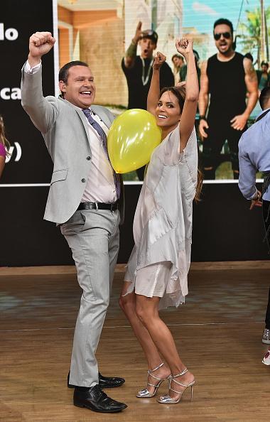 "Snatched - 2017 Film「Celebrities Visit Univision's ""Despierta America""」:写真・画像(0)[壁紙.com]"