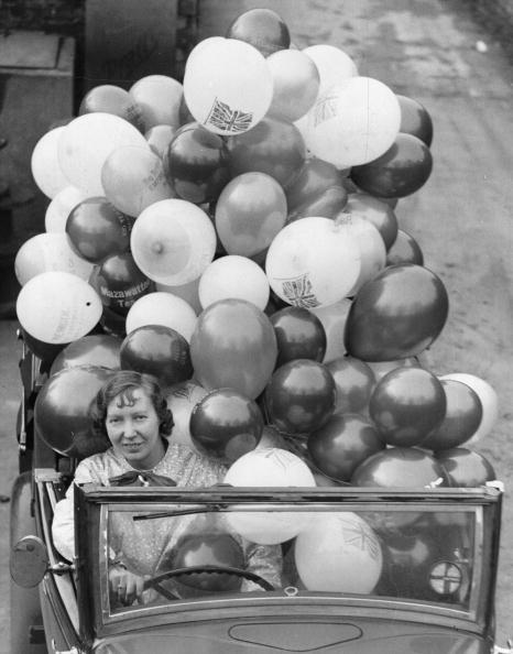 William Vanderson「Car Load Of Balloons」:写真・画像(15)[壁紙.com]