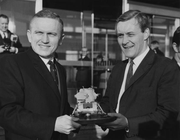 Frank Borman「Frank Borman And Tony Benn」:写真・画像(3)[壁紙.com]
