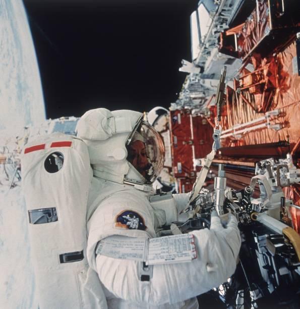 Servicing Hubble:ニュース(壁紙.com)