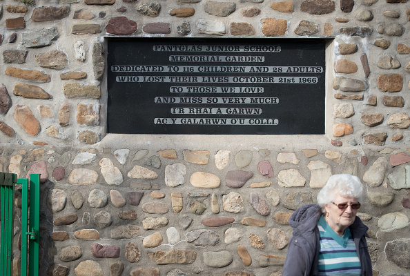 Shale「Aberfan - 50 Years After The Colliery Disaster That Killed 116 Schoolchildren」:写真・画像(5)[壁紙.com]