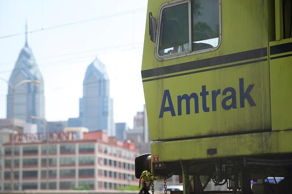 Philadelphia - Pennsylvania「Amtrak Resumes Service On Busy Northeast Corridor After Deadly Train Crash」:写真・画像(19)[壁紙.com]