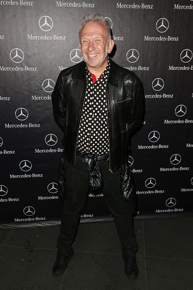 カメラ目線「Mercedes-Benz Presents The Fashion World of Jean Paul Gaultier Exclusive Preview - Arrivals」:写真・画像(10)[壁紙.com]
