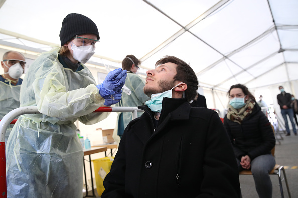 Nose「LMU Hospital Launches Coronavirus Testing Facility For Medical And Emergency Workers」:写真・画像(3)[壁紙.com]