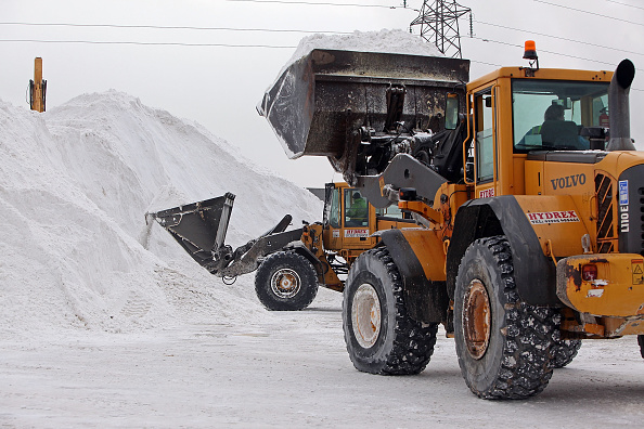 Construction Equipment「More Snow And Freezing Temperatures Hit The UK」:写真・画像(3)[壁紙.com]