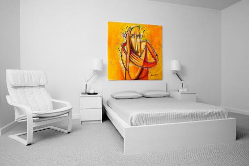 美術「Chair, wall art and bed in modern bedroom」:スマホ壁紙(15)