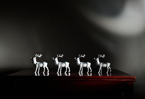 Figurine「Four reindeer figurines」:スマホ壁紙(0)