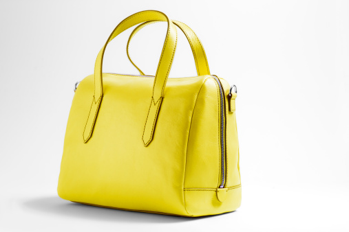 Purse「Yellow handbag on a white background」:スマホ壁紙(0)