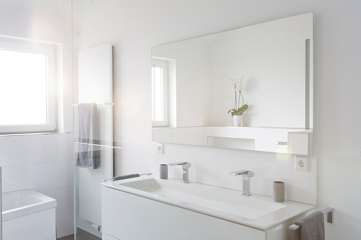 Home Improvement「Modern white bathroom」:スマホ壁紙(17)