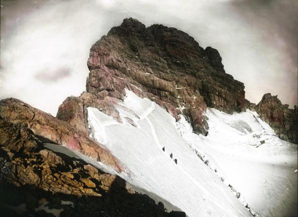 Dachstein Mountains「The summit of the Dachstein. Salzkammergut. Hand-colored lantern slide. Around 1900.」:写真・画像(17)[壁紙.com]