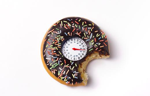 Cholesterol「Doughnut with weighing scales」:スマホ壁紙(11)
