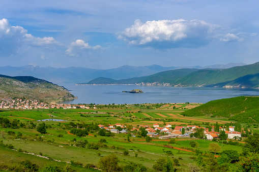 The Nature Conservancy「Albania, Prespa National Park, Lake Prespa with Maligrad Island and villages Lejthize and Liqenas, Greece and Macedonia in the background」:スマホ壁紙(17)