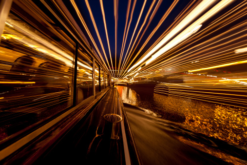 Amsterdam「Evening canal cruise Amsterdam, long exposure light trails」:スマホ壁紙(11)