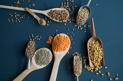 Oats - Food「Red lentils, brown lentils, amarant, wheat, spelt wheat and corn on spoons」:スマホ壁紙(7)