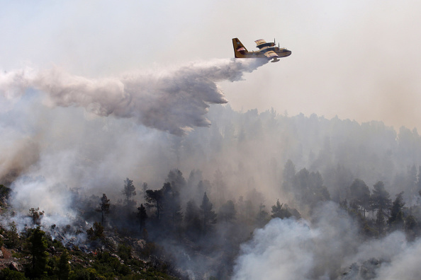 Water「Villages Evacuated As Wildfire Sweeps Greek Island Of Evia」:写真・画像(19)[壁紙.com]