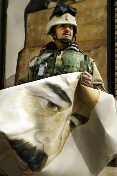 Male Likeness「U.S. Forces Move Through Southern Iraq」:写真・画像(17)[壁紙.com]