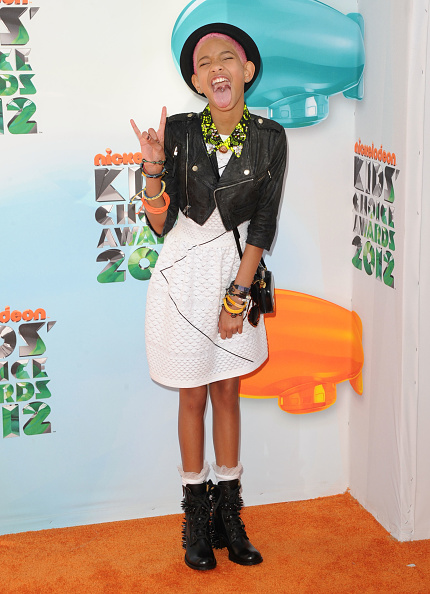Chanel Dress「Nickelodeon's 25th Annual Kids' Choice Awards - Arrivals」:写真・画像(7)[壁紙.com]