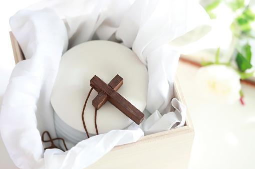 Cremation「Cross on urn」:スマホ壁紙(17)
