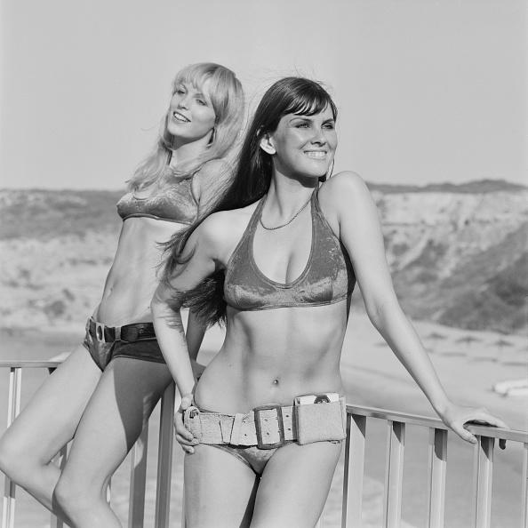 Belt「Beach Bikinis」:写真・画像(5)[壁紙.com]