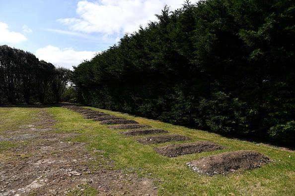 Place of Burial「UK In Fourth Week Of Coronavirus Lockdown As Death Toll Exceeds 10,000」:写真・画像(13)[壁紙.com]