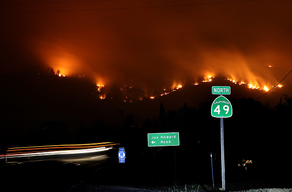 USA「Detwiler Fire Spreading Rapidly Threatens Historic Town Mariposa」:写真・画像(19)[壁紙.com]