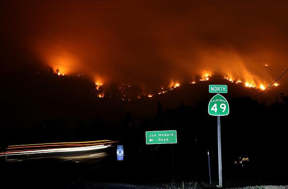 Justin Sullivan「Detwiler Fire Spreading Rapidly Threatens Historic Town Mariposa」:写真・画像(6)[壁紙.com]