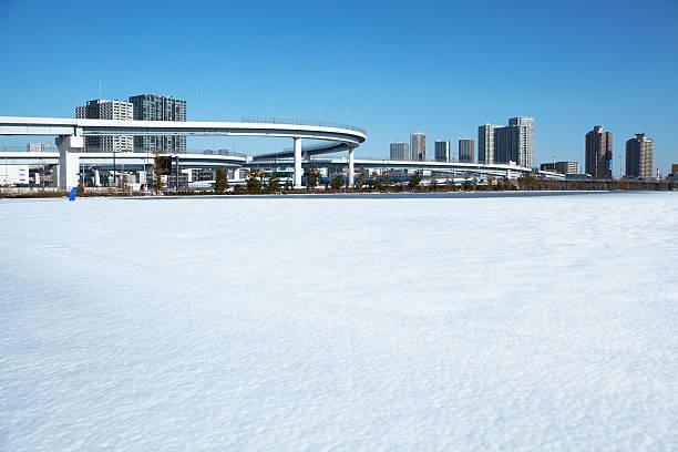 The park covered with snow:スマホ壁紙(壁紙.com)