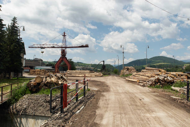 Timber yard and crane, Brezno, Slovakia:ニュース(壁紙.com)