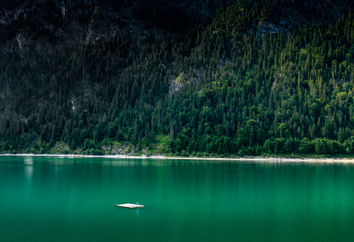 Germany「Swim diving platform in a mountain lake」:スマホ壁紙(8)