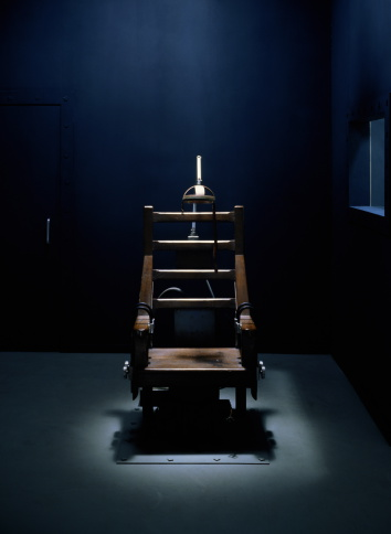 sumona「Electric chair in dark empty room,  light streaming from above」:スマホ壁紙(6)